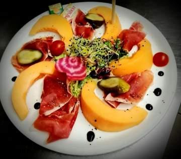 Repas & Boissons dans votre restaurant à Sarlat